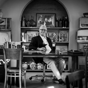 Nimród a borászat irodájában / Nimrod in the Winery Office