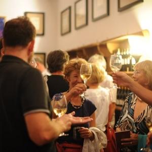 Borkóstolás a borászatban / Wine Tasting at the Winery